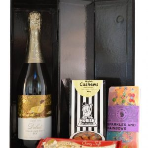 wine-and-nibbles-hamper-boxed-indugence