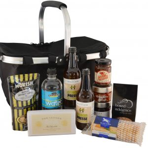 Picnic Hamper Deluxe - Boxed Indulgence
